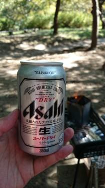 火起こししながらビール