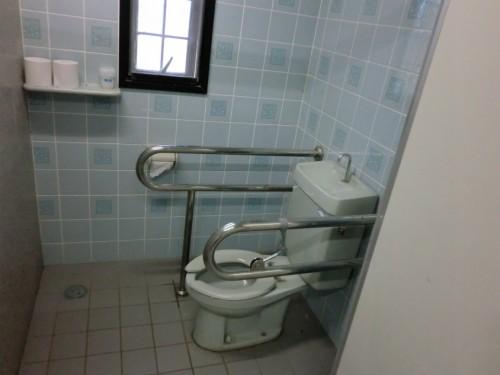 初の南淡路シーサイドキャンプ場_男子トイレ洋式
